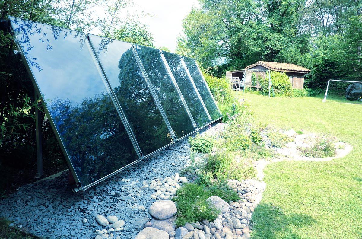 Panneau solaire thermique châssis-sol